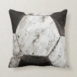 Textura sucia del balón de fútbol cojin