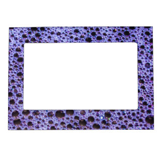 Textura violeta de las burbujas marcos magnéticos de fotos