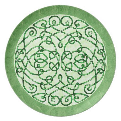 Textured Green Celtic Art Curls Dinner Plates