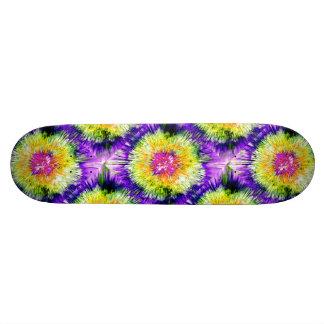 Textured Retro Tie Dye Skateboard