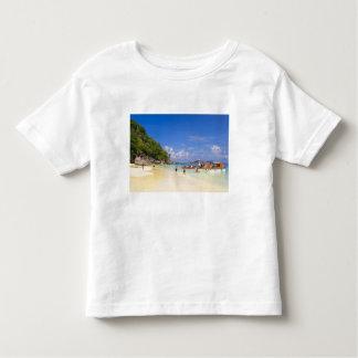 Thailand, Andaman Sea. Passengers onshore at Toddler T-shirt
