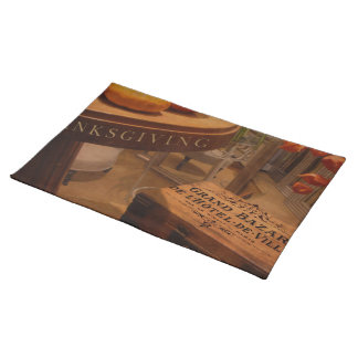 Thanksgiving Hideaway Cloth Placemat