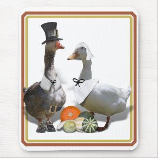 Thanksgiving Pilgrim Duck Couple Mouse Pad