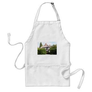 Thatched cottage, United Kingdom 15 Adult Apron