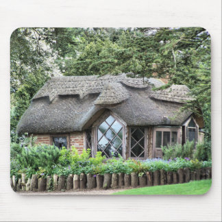 THATCHED COTTAGES MOUSE PAD