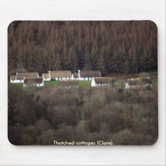 Thatched cottages mouse mat