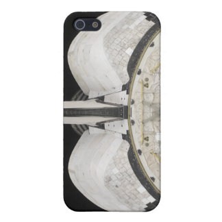 The aft portion of the Space Shuttle Endeavour iPhone SE/5/5s Case