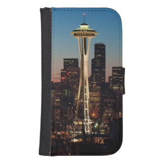 The American flag flies between the rising moon Samsung S4 Wallet Case