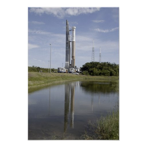 The Atlas V/Centaur arrives on the launch compl Poster