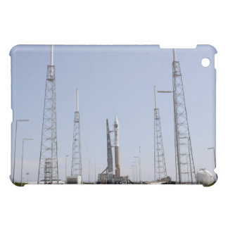 The Atlas V/Centaur rocket at the launch comple iPad Mini Cover