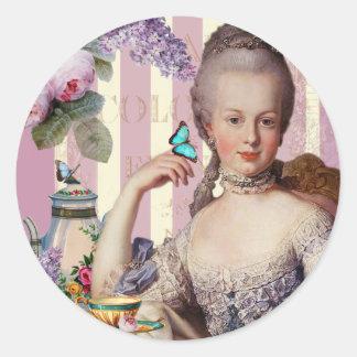 Thé au Petit Trianon – rose Classic Round Sticker
