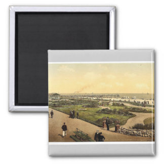 The beach, gardens and jetty, Yarmouth, England ra Magnets