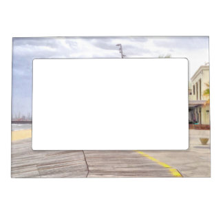 The beachfront magnetic picture frame