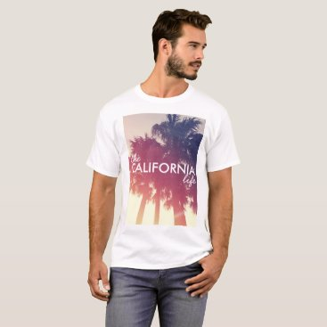 Beach Themed The California Life - Vintage Palm Tree Theme T-Shirt