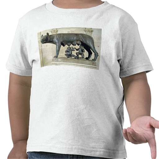 The Capitoline She-Wolf Tshirts