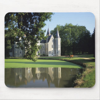 The castle in the park and the gardens MR) Mouse Pad