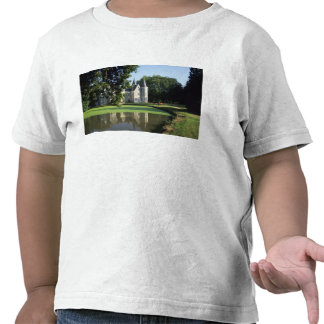 The castle in the park and the gardens MR T-shirts