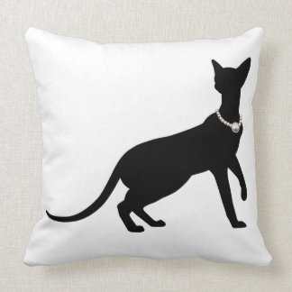 The cat cushion Cat&Pearl cushion which probably