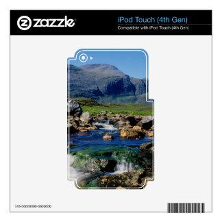 THE CLISHAM iPod TOUCH 4G SKINS
