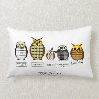 The different Owlz - Pillow