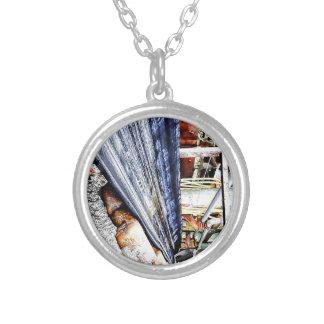 The Dive Round Pendant Necklace