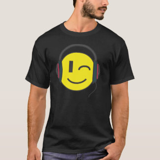 The DJ smiley emoticon T-Shirt