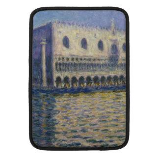 The Doges Palace (Le Palais Ducal) by Claude Monet MacBook Sleeve