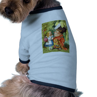 THE DUCHESS INSTRUCTS ALICE IN THE QUEEN'S CROQUET DOG T SHIRT