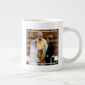 The Duke & Duchess of Sussex: Exchanging Vows Giant Coffee Mug