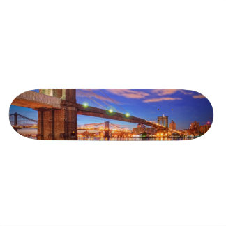 The East River, Brooklyn Bridge, Manhattan Skateboard