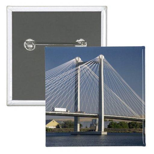 The Ed Hendler Bridge spans the Columbia River Pins