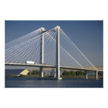 The Ed Hendler Bridge spans the Columbia River Photo
