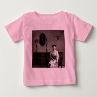The feminine ghost baby T-Shirt