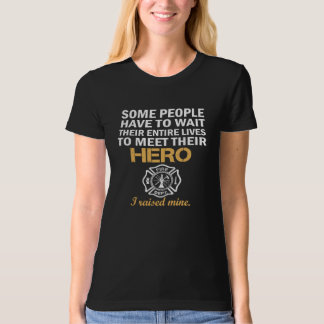 THE FIREFIGHTER'S MOM T-Shirt