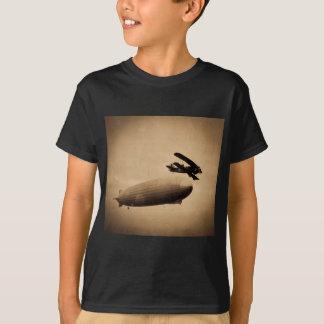 The Graf Zeppelin Approaching New York City 1928 T-Shirt