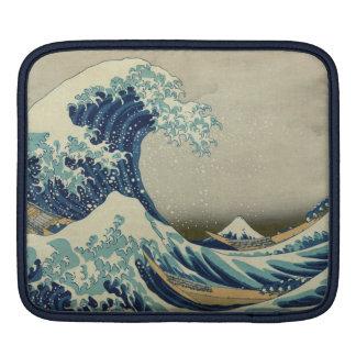 The Great Wave off Kanagawa (神奈川沖浪裏) iPad Sleeve