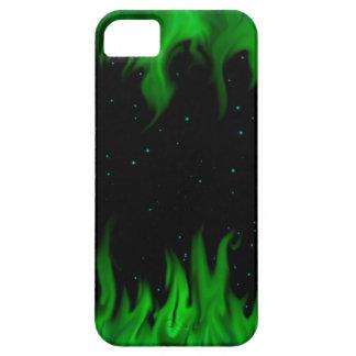 The Green de flames at the starlit sky iPhone 5 Carcasa