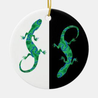The Green Gecko kind Deco black and white Design Ceramic Ornament