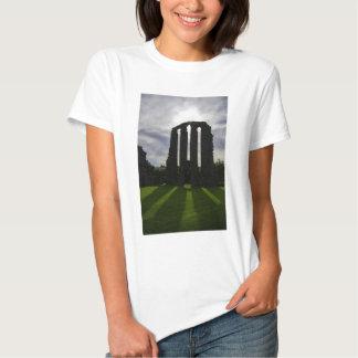 The High Altar sun beams T Shirts