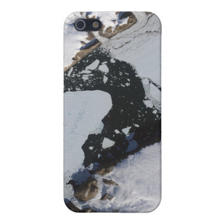 The ice island cases for iPhone 5