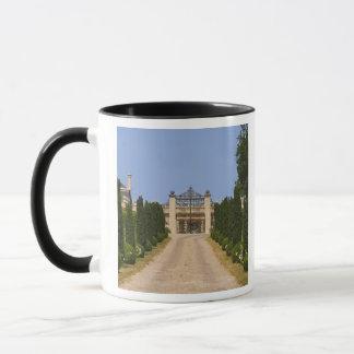 The imposing entrance to Chateau Haut Sarpe, the Mug
