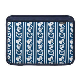 The Japanese traditional pattern ax koto chrysanth MacBook Air Sleeve