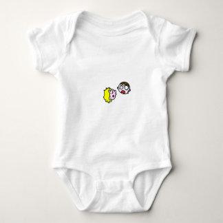 The kiss baby bodysuit