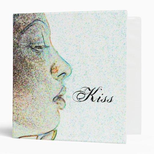 The Kiss Fashion Binder