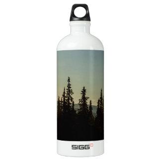 The land of midnight sun aluminum water bottle