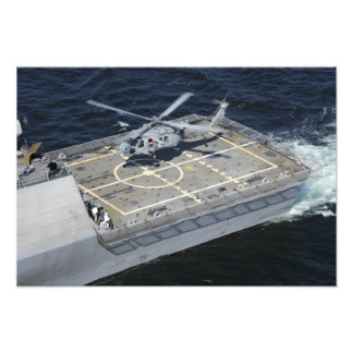 The littoral combat ship USS Freedom Photo Print