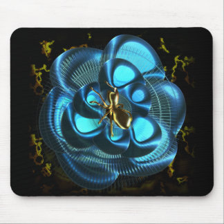 The loom black to spider in the hole to interester mouse pad