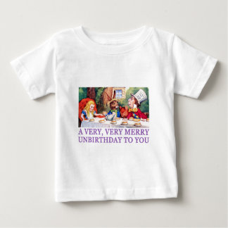 THE MAD HATTER WISHES ALICE A MERRY UNBIRTHDAY! BABY T-Shirt