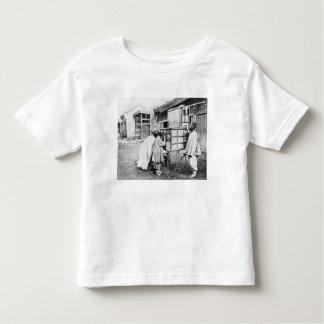 The magic lantern, c.1870 (b/w photo) toddler t-shirt