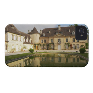 The main chateau building with its tower and a iPhone 4 cases